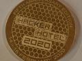 Met laser gegraveerde herdenkingsmunt voor de 5e editie van HackerHotel